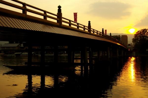 瀬戸の唐橋 夕陽