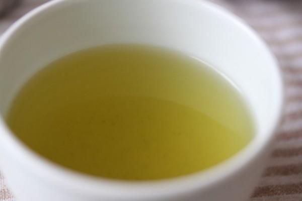 煎茶=茶柱が立つと縁起が良い
