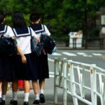 中学生 猫も杓子も 塾へ行く?