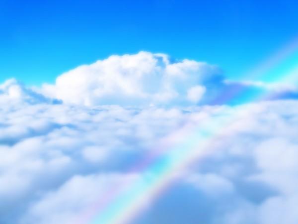 雲を突き抜けた虹